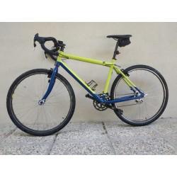 """A lato esempio di Gravel bike, realizzato con il telaio grezzo da Trekking Konig (ruote da 28"""")"""